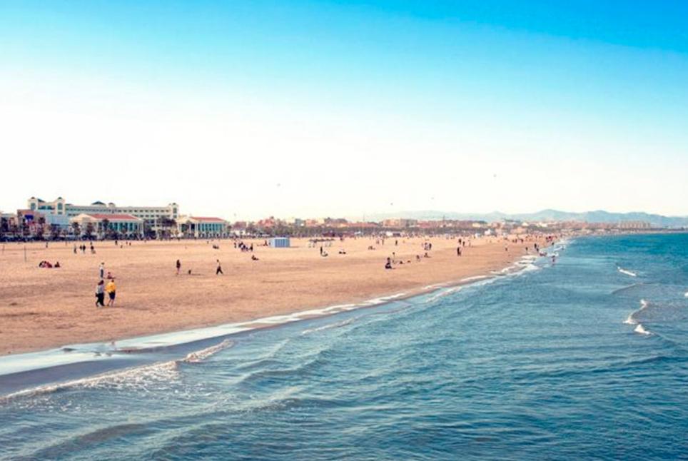 Пляж Лас-Аренас в Валенсии
